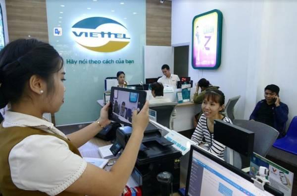 Đăng ký thông tin chính chủ tại cửa hàng Viettel khi bị khóa sim