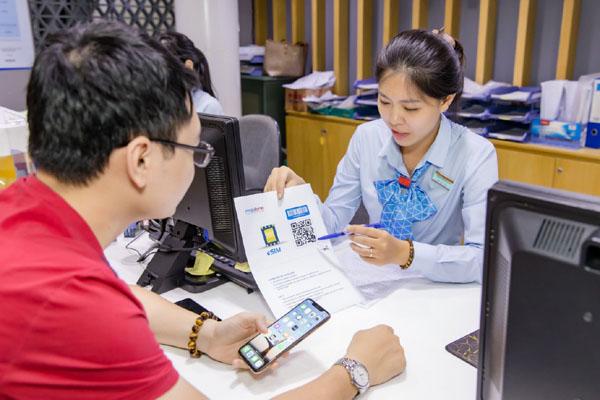 Đăng ký chuyển eSIM Mobifone tại cửa hàng